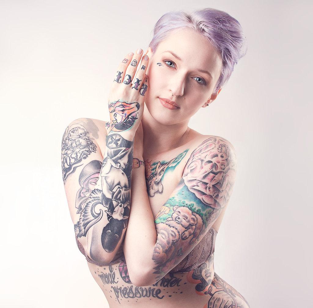 Model: Mel Riot